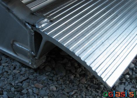 Aluminijaste rampe