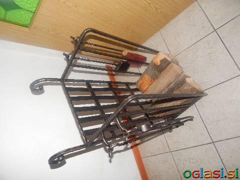 Kovan voziček z priborom