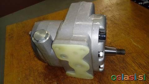 Hidravlična črpalka za traktor Universal / UTB - H8.01