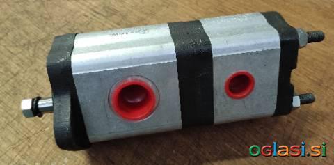 Hidravlična črpalka John Deere - RE68886