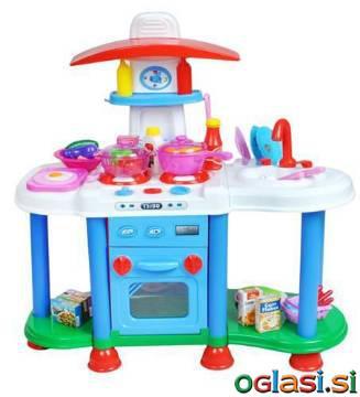 Otroška kuhinja za otroke z dodatki