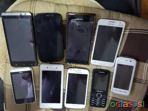 Več rabljenih mobilnikov brez škatle in polnilca