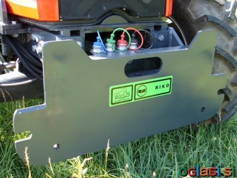 Prednja montažna plošča za snežne pluge